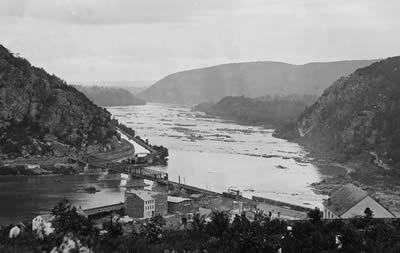 Maryland Heights (left) from Harpers Ferry, 1865